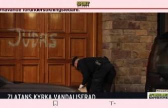 İbrahimovic'in Stockholm'deki evinin kapısına ırkçı yazı