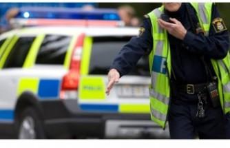 İsveç'te bir sürücü polis karakoluna arabayla daldı