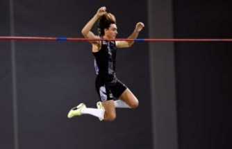 İsveçli atlet Armand Duplantis, dünya rekorunu geliştirdi