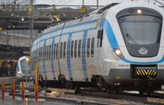 Stockholm'de raylardan bakım yaptığı sırasında trenin çarptığı işçi hayatını kaybetti!