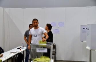 İsveç'te oy verme işlemi devam ediyor