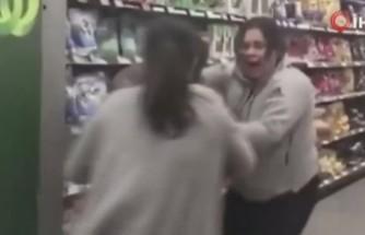 Koronavirüs paniği bunu da yaptırdı! Makette tuvalet kağıdı yüzünden kadınlar birbirine girdi