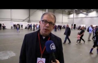 İsveç'te Türklerin oy verdiği salona giren siyasetçiye izin verilmedi