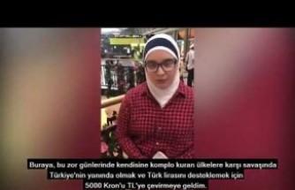 İsveç'te Yaşayan Bir Suriyeli Arap Genç Kız Harçlığını Türk Lirasına Çevirdi