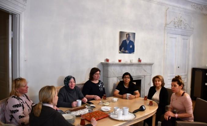 İsveç'te Büyükelçi Eşlerine Türk Misafirperverliği