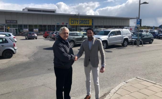 Muhittin Taylı İsveç'te  büyük bir süper market daha  satın aldı
