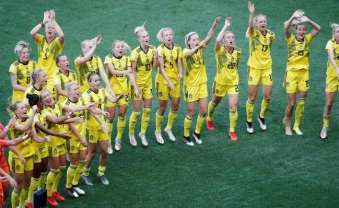 İngiltere'yi deviren İsveç, dünya üçüncüsü oldu