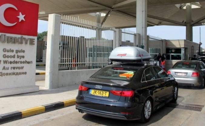 Yurtdışından getirilen ticari araçların Türkiye'de kalma süreleri 90 güne çıkartıldı