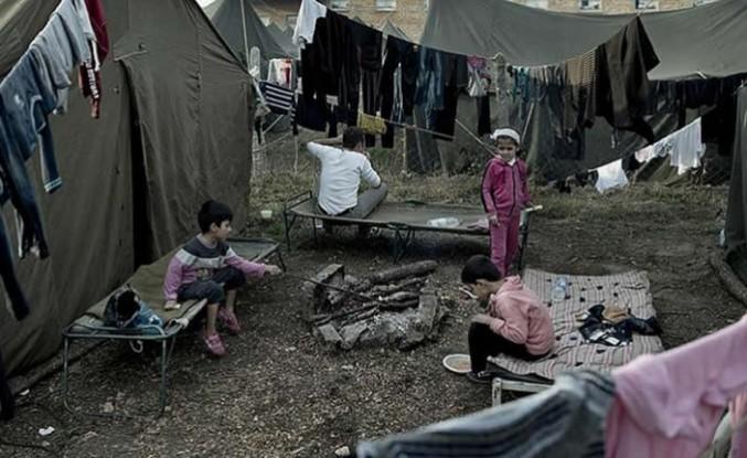 900 bin sığınmacı Avrupa kapılarında bekliyor