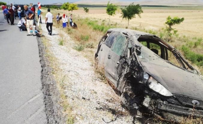 Gurbetçi iki aile kaza yaptı: 1 kişi öldü 12 kişi yaralandı
