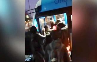 İngiltere'de Müslüman kız çocuğuna ırkçı saldırı