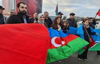 Malmö'de Azerbaycan'a destek konvoyu