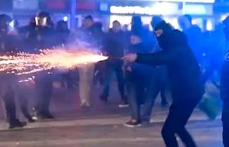 Kopenhag'da ayaklanma: Çok sayıda kişi gözaltına alındı