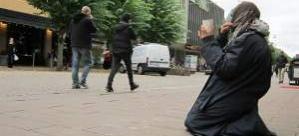 İsveç'te dilencilerin sırtından para kazanan 10 kişi tutuklandı
