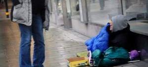 İsveç'te dilencinin montundan 6 milyon kron çıktı