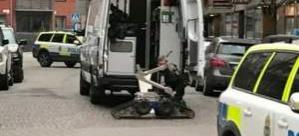 İsveç'te şüpheli paket alarmı: Cadde trafiğe kapatıldı