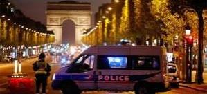 Paris'te silahlı saldırı: İki polis öldü